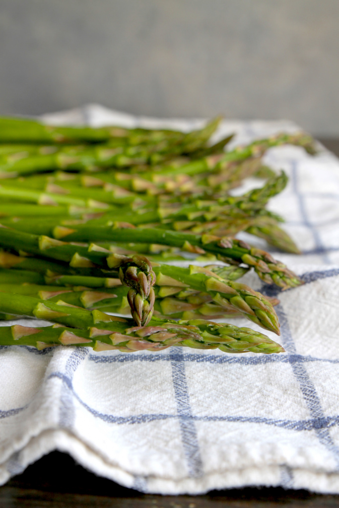 lemony roasted asparagus