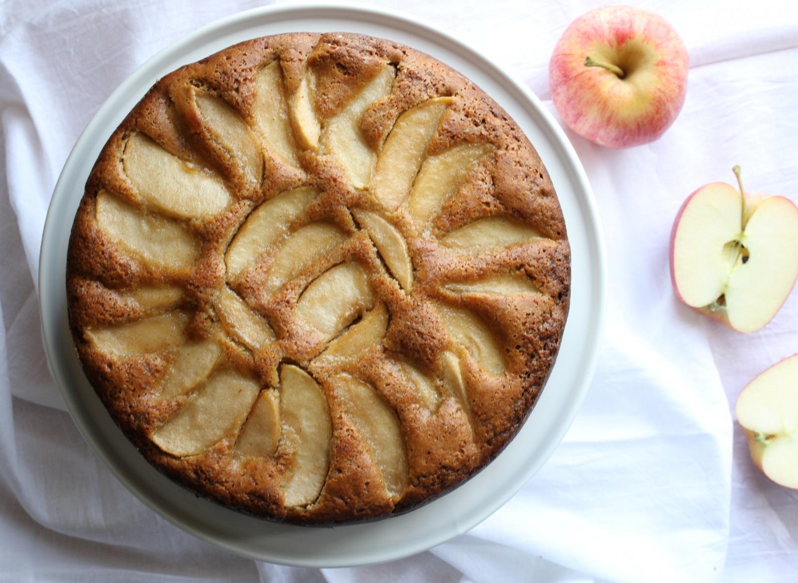 Paleo Raw Apple Cake