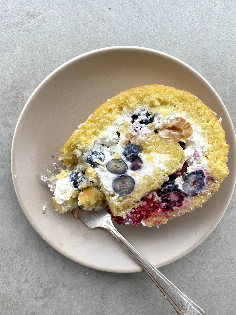 berries and cream roulade
