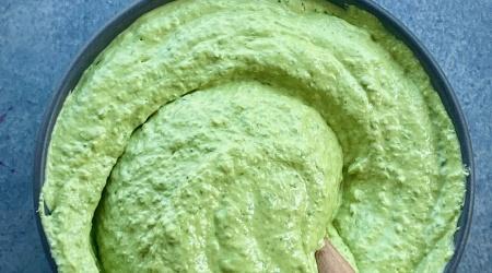 Green Tahini – 5 ingredients + 5 minutes = the best sauce